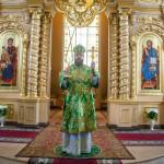 В День Святого Духа митрополит Тамбовский и Рассказовский Феодосий совершил Божественную литургию в Троицком храме города Тамбова